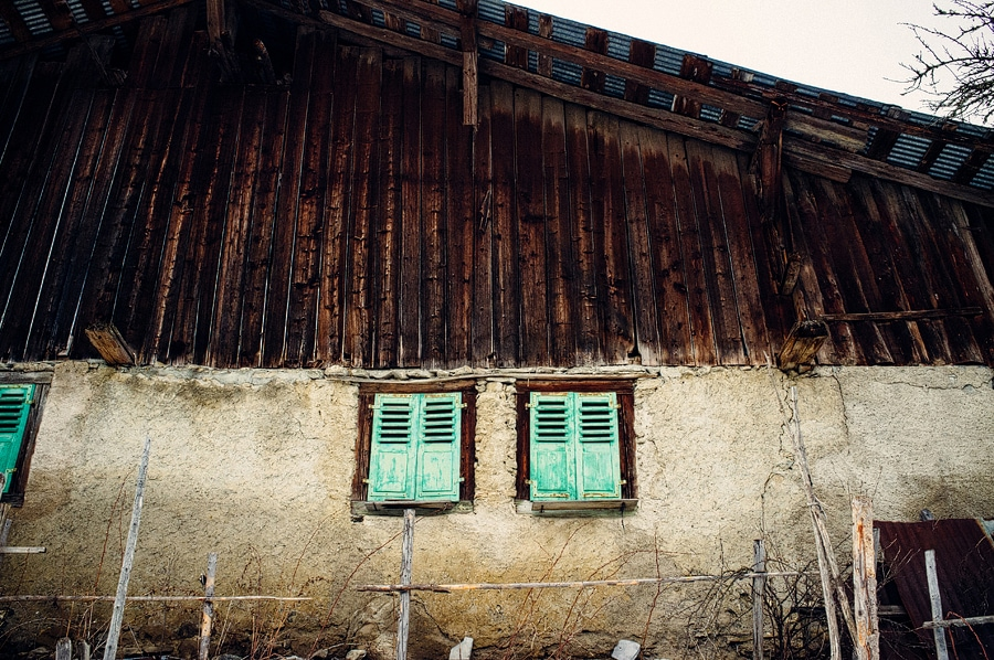 photo of a barn in morzine, france