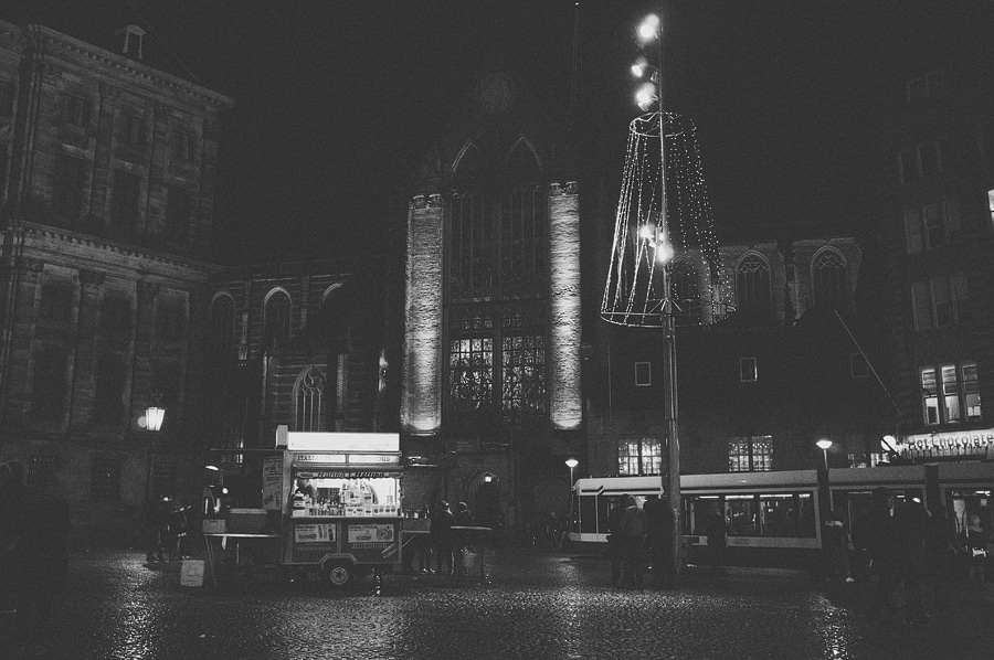 dam square at night