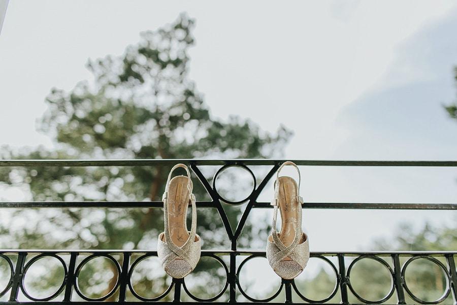bridal prep at great hallingbury manor wedding
