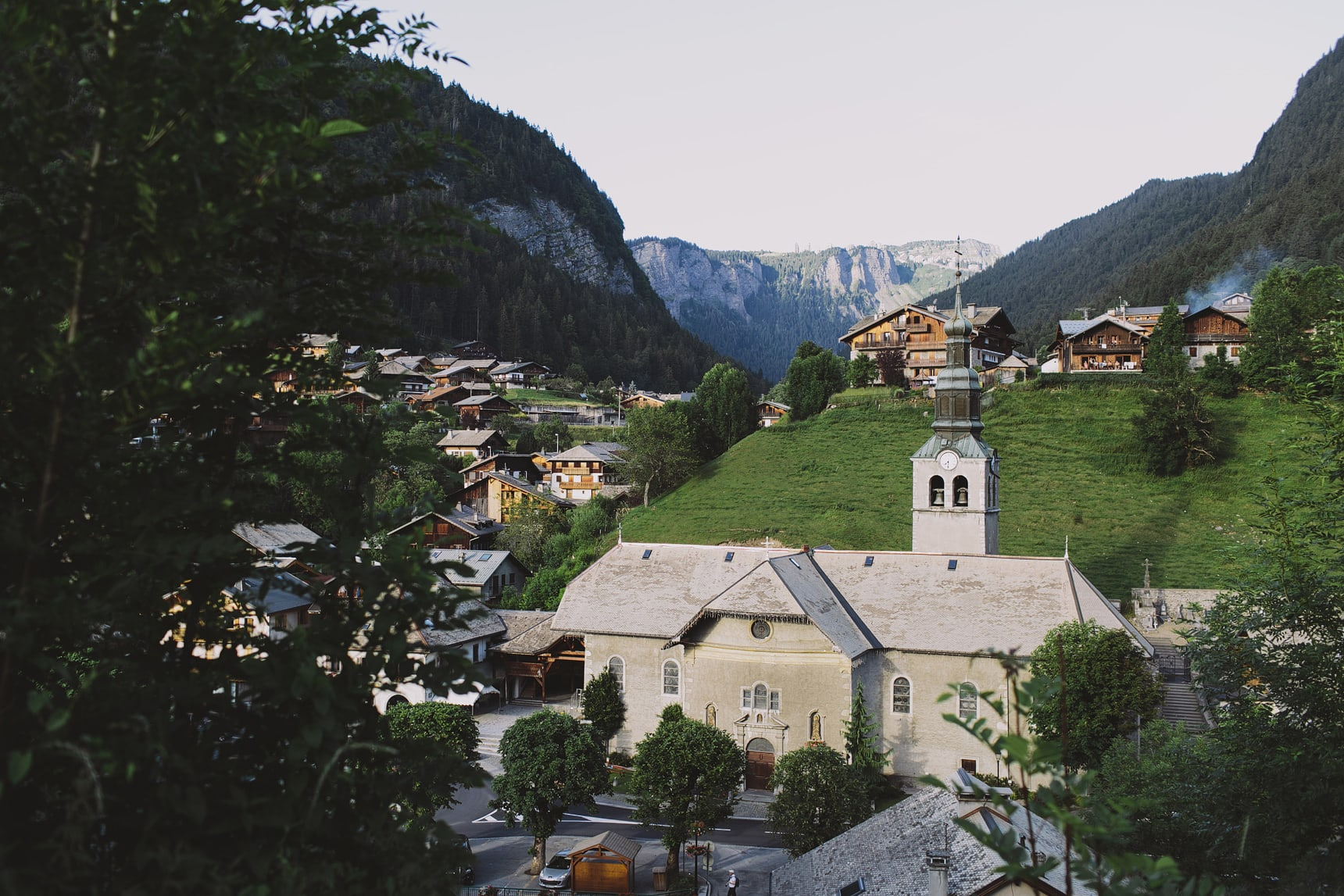 morzine town church