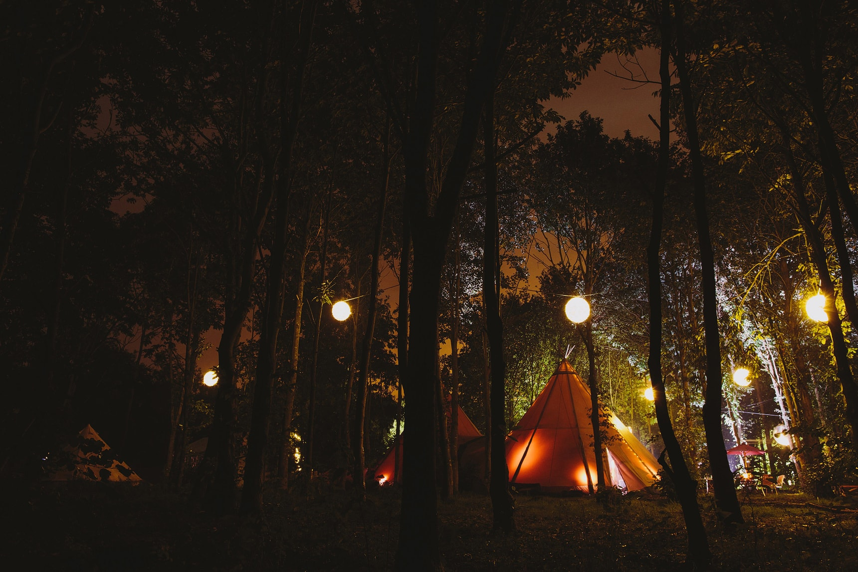 tipi wedding in essex woods
