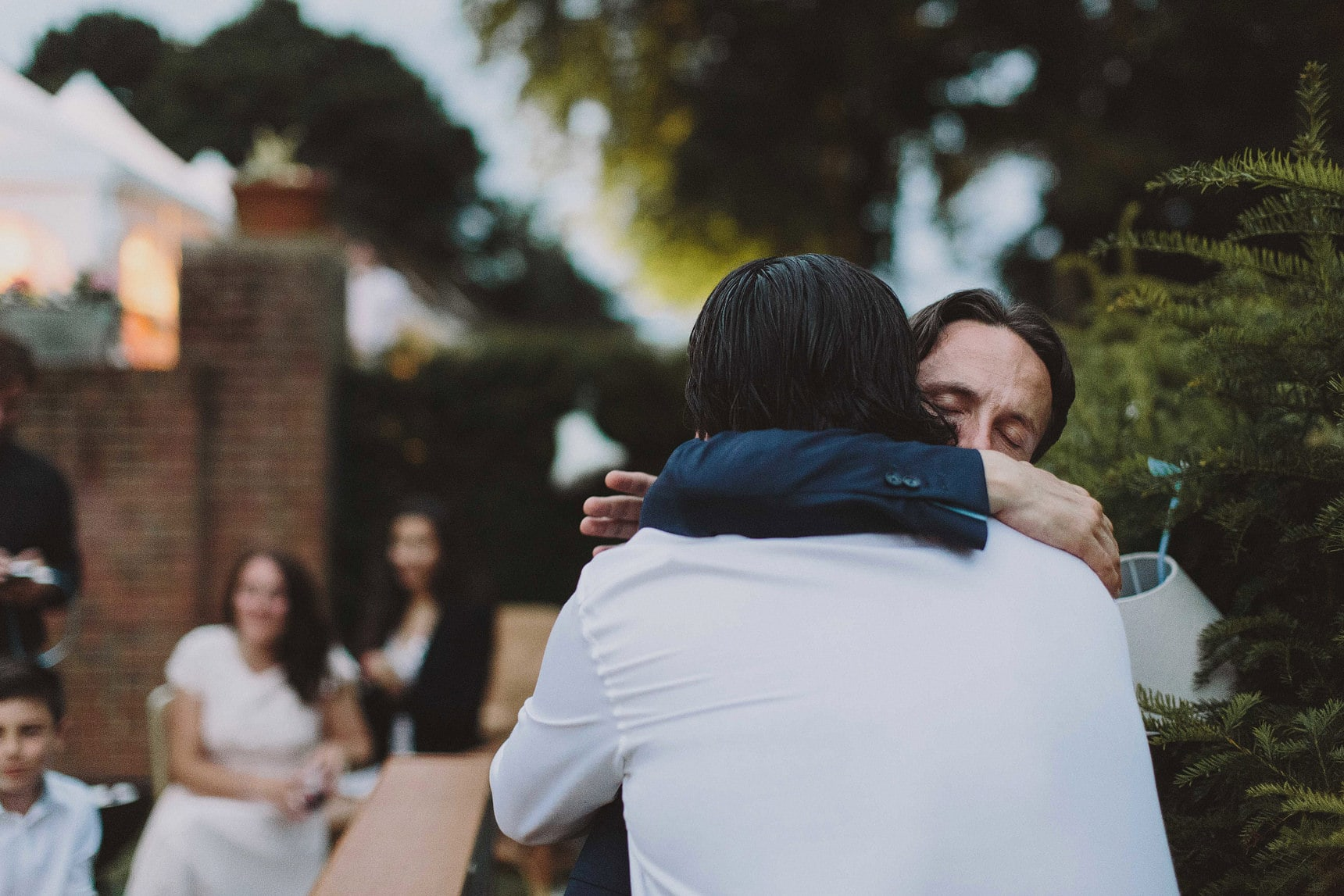 alternative wedding photographer kent